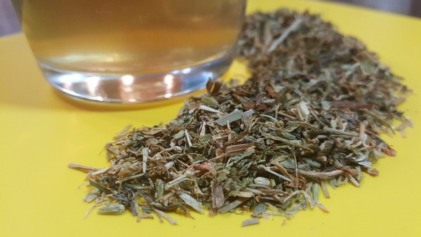 BEYOND VEGAN: Improve Digestion and Urinary Health With This Tea