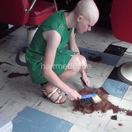 8017 robbery barberettes head shave