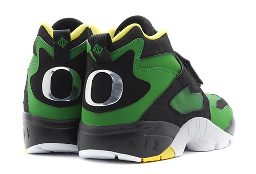 29cb6500312fe6 Nike Diamond Turf- Oregon Duck - ShoeBoss